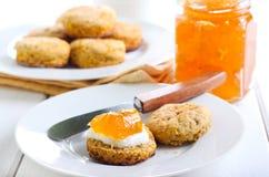 Καρότο και δεντρολίβανο scones Στοκ εικόνες με δικαίωμα ελεύθερης χρήσης