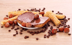 καρύδια μπισκότων σοκολά&t Στοκ Εικόνες