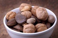 καρύδια τροφίμων κύπελλων στοκ φωτογραφίες με δικαίωμα ελεύθερης χρήσης