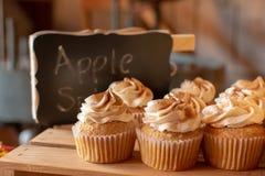 Καρύκευμα Cupcakes της Apple στοκ φωτογραφίες