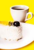 Καρύδα του φλυτζανιού κέικ και καφέ Στοκ Εικόνες