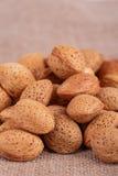 Καρύδια αμυγδάλων στοκ φωτογραφία με δικαίωμα ελεύθερης χρήσης