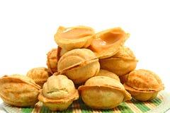 Καρύδια γλυκών ψησίματος κέικ Στοκ φωτογραφίες με δικαίωμα ελεύθερης χρήσης