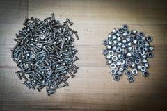 Καρύδια και βίδες κλειδώματος Στοκ Φωτογραφίες
