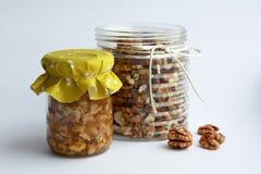 Καρύδια και μέλι Στοκ Εικόνα