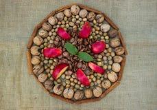 Καρύδια και ξύλα καρυδιάς Στοκ Εικόνες