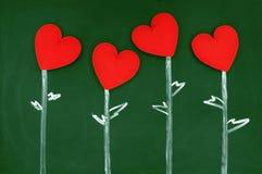 Καρδιά αγάπης σε έναν πίνακα κιμωλίας Στοκ φωτογραφίες με δικαίωμα ελεύθερης χρήσης