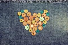 Καρδιά από τα κουμπιά στοκ εικόνα με δικαίωμα ελεύθερης χρήσης