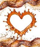 Καρδιά από τον παφλασμό κόλας με τις φυσαλίδες που απομονώνεται στο λευκό στοκ εικόνες