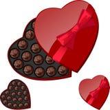 Καρδιά-διαμορφωμένο κιβώτιο με τις σοκολάτες Στοκ Εικόνες