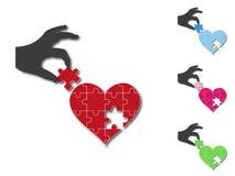 Καρδιά που ολοκληρώνεται από το χέρι σκιαγραφιών Στοκ Εικόνα