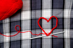 Καρδιά με το νήμα Στοκ εικόνες με δικαίωμα ελεύθερης χρήσης