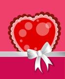 Καρδιά με το τόξο και την κορδέλλα Στοκ φωτογραφία με δικαίωμα ελεύθερης χρήσης