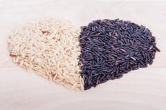 Καρδιά πλαισίων συνόρων του μούρου ρυζιού στη μορφή καρδιών Στοκ φωτογραφία με δικαίωμα ελεύθερης χρήσης