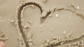 Καρδιά στην άμμο απόθεμα βίντεο