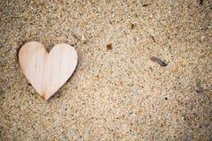 Καρδιά στην παραλία, θερινές διακοπές, ρομαντικές καλοκαιρινές διακοπές, SE Στοκ Φωτογραφίες