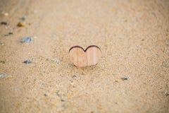 Καρδιά στην παραλία, θερινές διακοπές, ρομαντικές καλοκαιρινές διακοπές, SE Στοκ Εικόνα
