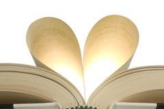 Καρδιά στις σελίδες βιβλίων Στοκ Εικόνες