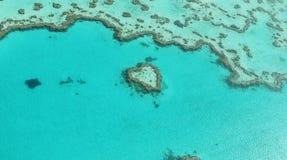 Καρδιά στο μπλε Στοκ εικόνες με δικαίωμα ελεύθερης χρήσης