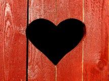 Καρδιά στο ξύλινο υπόβαθρο στοκ φωτογραφία με δικαίωμα ελεύθερης χρήσης
