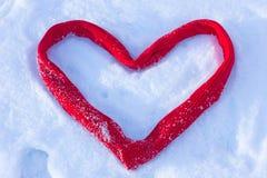 Καρδιά στο χιόνι Στοκ εικόνα με δικαίωμα ελεύθερης χρήσης