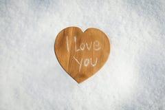 καρδιά στο χιόνι Στοκ Φωτογραφίες