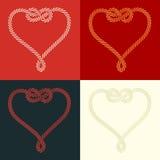 Καρδιά σχοινιών που διαμορφώνεται με το σύνολο κόμβων Στοκ φωτογραφία με δικαίωμα ελεύθερης χρήσης