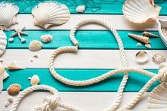 Καρδιά του σχοινιού Υποβολή προτάσεων της έννοιας θάλασσας Ανασκόπηση ημέρας βαλεντίνων Στοκ Εικόνα