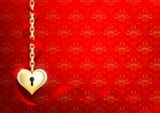 Καρδιά του χρυσού σε ένα κόκκινο υπόβαθρο Στοκ φωτογραφίες με δικαίωμα ελεύθερης χρήσης