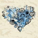 Καρδιά των κοχυλιών συρμένος εικονογράφος απεικόνισης χεριών ξυλάνθρακα βουρτσών ο σχέδιο όπως το βλέμμα κάνει την κρητιδογραφία  Στοκ Φωτογραφίες