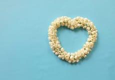 Καρδιά των λουλουδιών της Jasmine Στοκ εικόνα με δικαίωμα ελεύθερης χρήσης