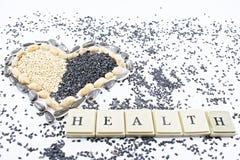 Καρδιά, υγεία και σπόροι στοκ εικόνα με δικαίωμα ελεύθερης χρήσης