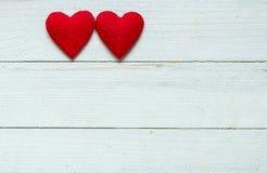 Καρδιές αγάπης στο ξύλινο υπόβαθρο σύστασης, έννοια καρτών ημέρας βαλεντίνων αρχικό υπόβαθρο καρδιών Στοκ φωτογραφίες με δικαίωμα ελεύθερης χρήσης