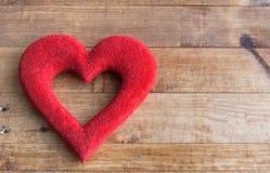 Καρδιές και λουλούδια για την ημέρα του βαλεντίνου Στοκ φωτογραφίες με δικαίωμα ελεύθερης χρήσης