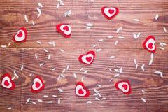 Καρδιές και πέταλα camomile Στοκ Φωτογραφία