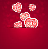 Καρδιές με μια αφηρημένη διακόσμηση ενάντια με ένα bokeh Στοκ Φωτογραφίες