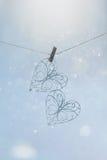 Καρδιές με το floral σχέδιο σε ένα υπόβαθρο του κατασκευασμένου εγγράφου στοκ φωτογραφία με δικαίωμα ελεύθερης χρήσης