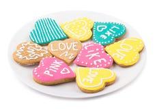 Καρδιές μπισκότων σε ένα πιάτο Στοκ φωτογραφίες με δικαίωμα ελεύθερης χρήσης