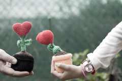 Καρδιές λουλουδιών διακοσμήσεων βαλεντίνων Στοκ φωτογραφία με δικαίωμα ελεύθερης χρήσης