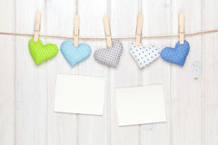 Καρδιές παιχνιδιών πλαισίων και βαλεντίνων φωτογραφιών Στοκ φωτογραφίες με δικαίωμα ελεύθερης χρήσης