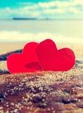 Καρδιές στην ακτή Στοκ φωτογραφία με δικαίωμα ελεύθερης χρήσης