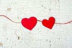 Καρδιές στο ξύλινο υπόβαθρο Στοκ φωτογραφία με δικαίωμα ελεύθερης χρήσης