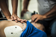 καρδιοπνευμονική νεκρανάσταση Στοκ εικόνες με δικαίωμα ελεύθερης χρήσης
