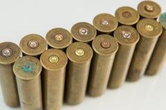 Κασέτες κυνηγιού, κασέτες στο άσπρο υπόβαθρο, πυρομαχικά κυνηγιού στοκ φωτογραφία με δικαίωμα ελεύθερης χρήσης