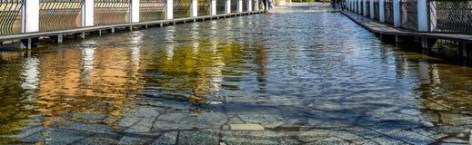 κατάλληλη σύσταση φωτός του ήλιου οδικών πετρών ανασκόπησης ασφάλτου Στοκ φωτογραφία με δικαίωμα ελεύθερης χρήσης