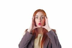 Κατάπληκτη redhead επιχειρησιακή γυναίκα Στοκ φωτογραφία με δικαίωμα ελεύθερης χρήσης
