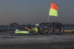 Κατάρτιση αθλητών Handcycle στις οδούς στοκ εικόνα με δικαίωμα ελεύθερης χρήσης