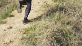 Κατάρτιση δρομέων στα βουνά απόθεμα βίντεο