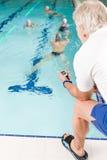 κατάρτιση κολυμβητών λιμν Στοκ εικόνα με δικαίωμα ελεύθερης χρήσης