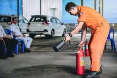 Κατάρτιση τρυπανιών πυρκαγιάς πάλης και εκκένωσης Basicfire στο novembe στοκ φωτογραφία με δικαίωμα ελεύθερης χρήσης